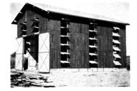 Planche XIII. B. Le séchoir typique du Marmandais